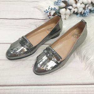 Ukies Silver Metallic Leona Kiltie Loafer Size 7